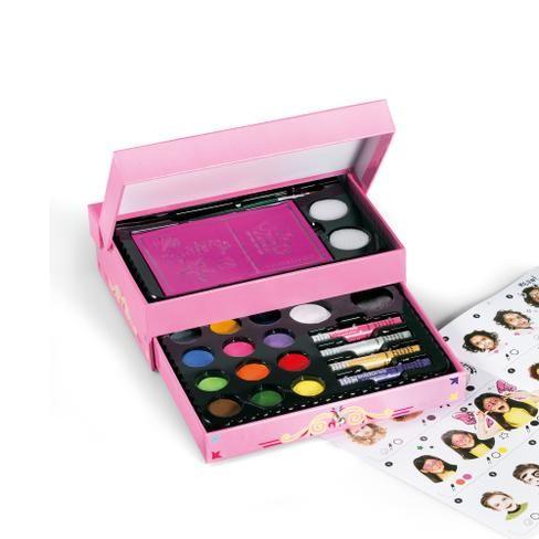 ¿Qué os parece este kit de maquillaje que también es un cofre joyero? ¡Nos encanta!