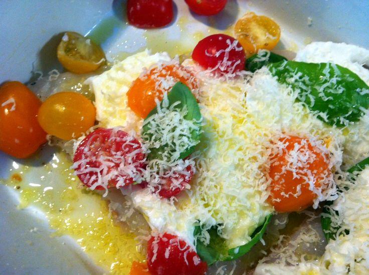 Kabeljauw uit de oven met mozzarella en tomaat, een heerlijk en makkelijk recept van Jamie Oliver. Lekker met pasta, aardappels of risotto.