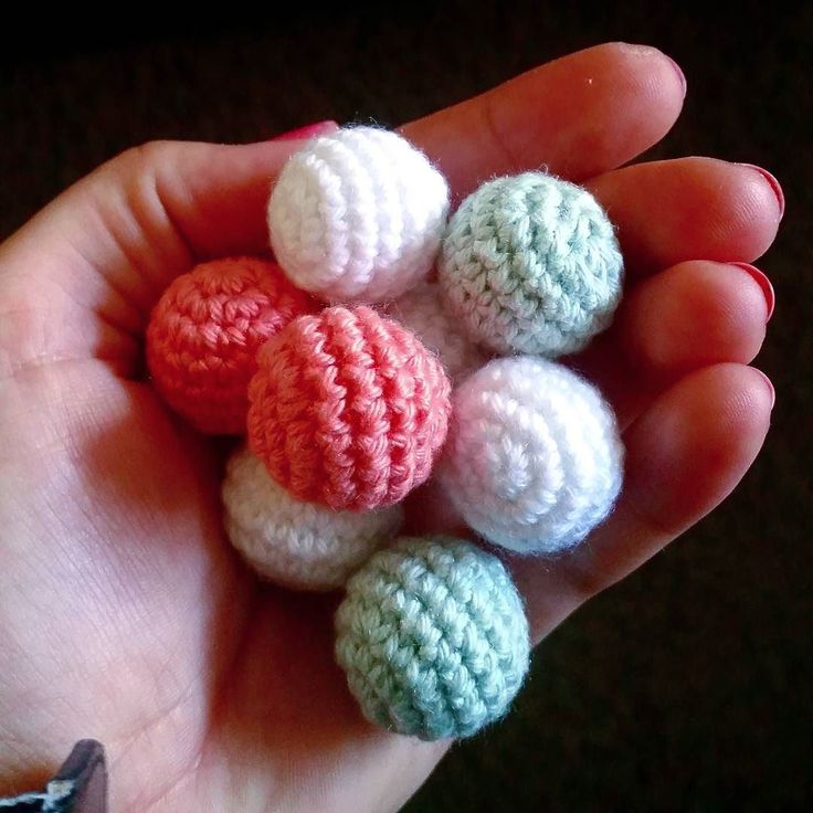 mariavirkar Barnvagnsmobil in progress  #virka #crochet #virkat #crocheting #crochetersofinstagram #crochetersanonymous #färgglatt #color #barnmobil #barn #virkattillbaby #virkattillbarn #virkarpåbeställning #ugglemobil #uggla #owl #owls #barnvagnsmobil #vagnmobil #vagn #vagnhänge #gravid #gravida #bollar #boll  #gravidabf2016 #gravidbf2017 #gravidabf2016 #gravidabf2017 #bf2017 #bf2016