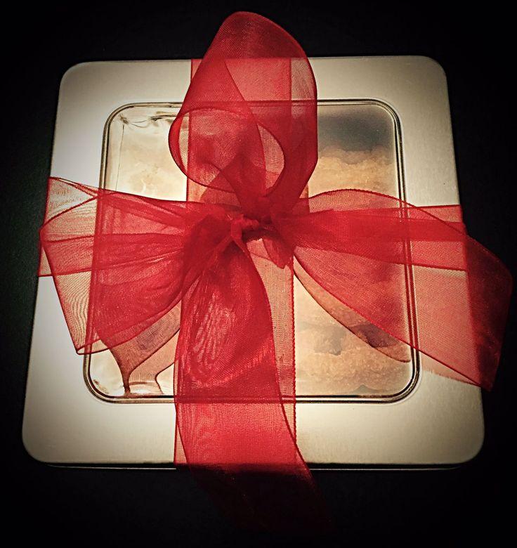 Caja con 10 buñuelos..  Regalo para navidad / 10 de mayo / jubilación..  informes: dulcedelici@gmail.com 55.7847.0939