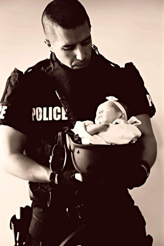 Newborn pictures, law enforcement, police, SWAT