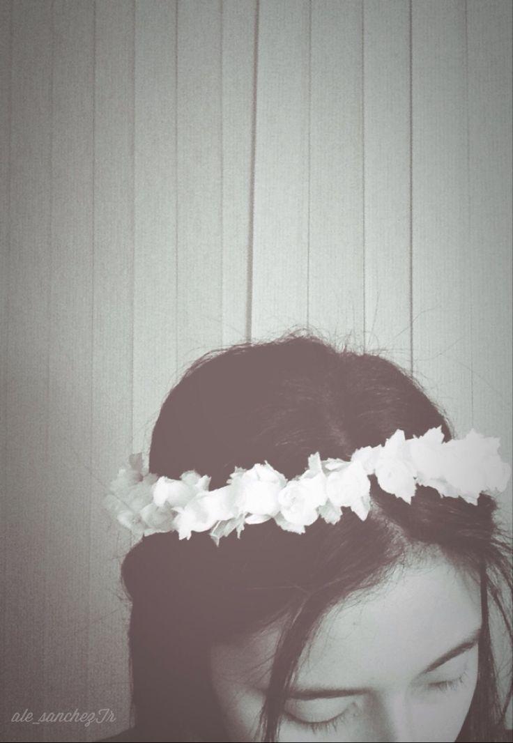 DIY flower crown #flowercrown #diy  http://do-love-lovedoign.blogspot.com/