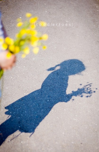 Great use of silhouette to capture the moment Reminds me of the Mary Poppins sidewalk chalk scene
