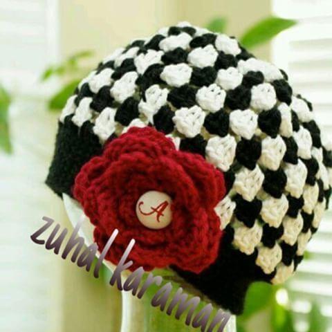 #Örgü #bebek #butik#siyah#beyaz#Kırmızım#gülüm# #güzellik#hepsi #birarada #sımsıcak#sapkam#örülür #🌹 👒 🍁