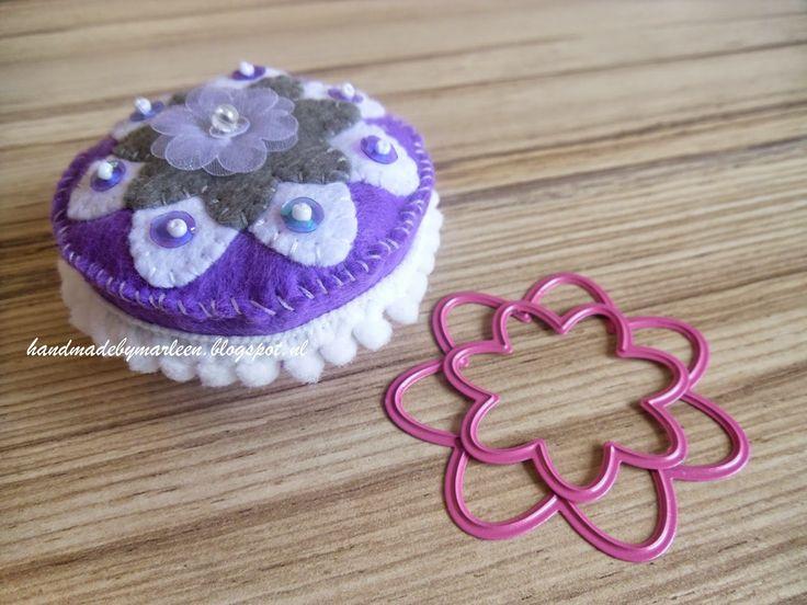 Challenge 109 is bedacht door Mieke:    Maak iets anders dan een kaart! Zoals je kunt zien heb ik gekozen voor cupcakes van vilt.     Doe ...