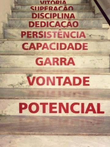 Rumo a vitória! Não desista agora! Você está mais perto que ontem! #sucesso #prosperidade #motivacao www.timevencedor.com