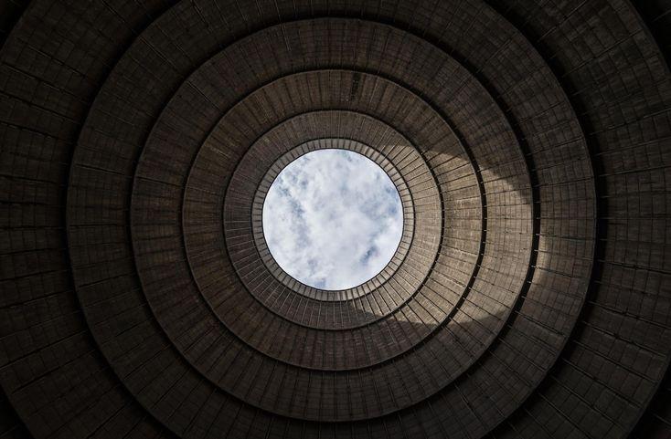 Galeria de A beleza de uma usina de energia abandonada, pelas lentes de Manuel Rodríguez - 14