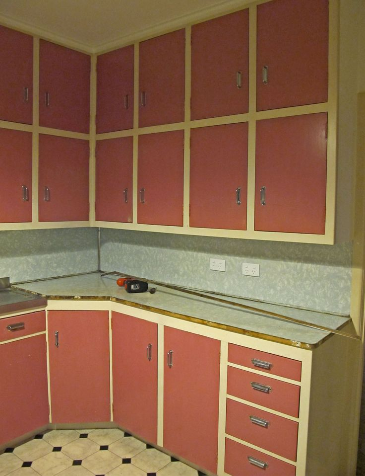 A Whangarei state house gets a colourful kitchen makeover - BEFORE