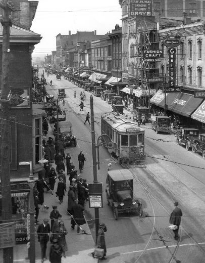 Dundas Street, north side, looking west from Richmond, c 1925. (London Free Press files) London, Ontario, Canada
