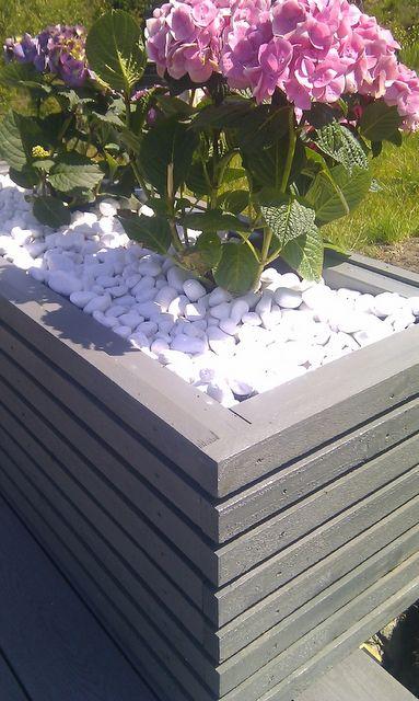 brand by vikse: DIY  Blomsterkasse