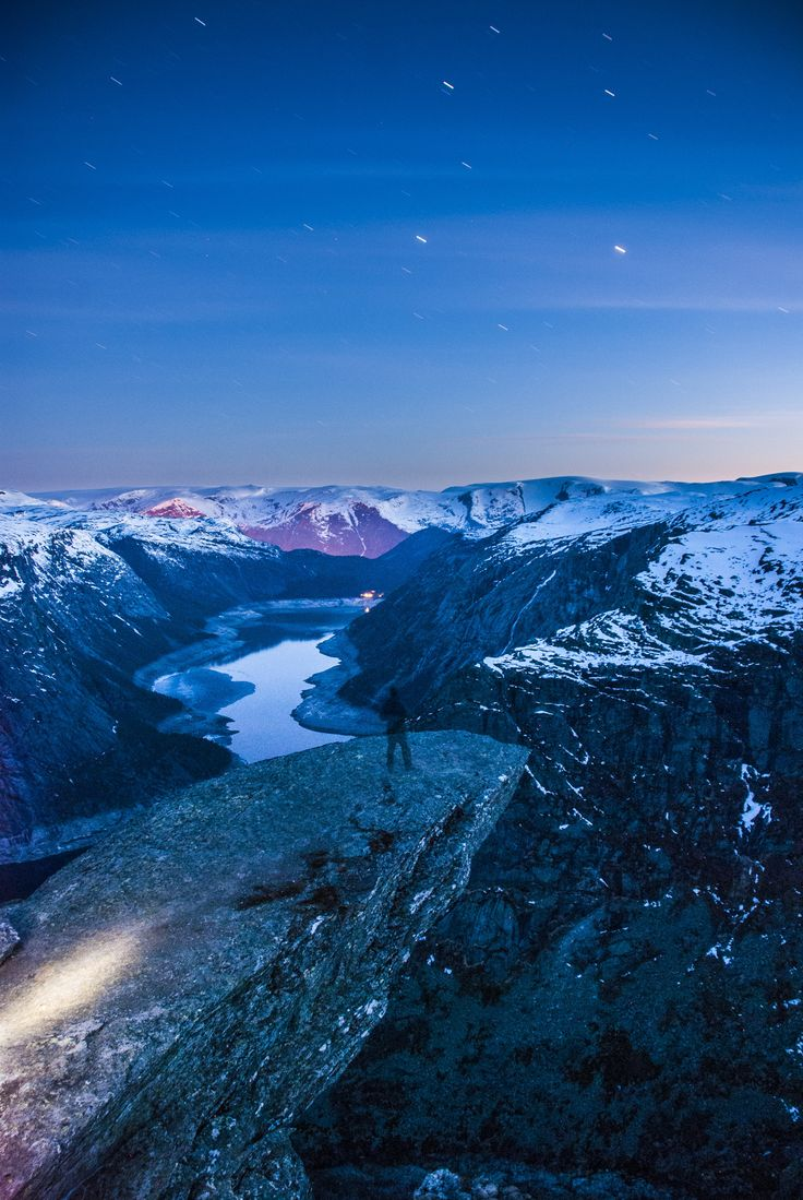 Trolltunga at night | Odda, Hordaland, Norway | u/Subs-man