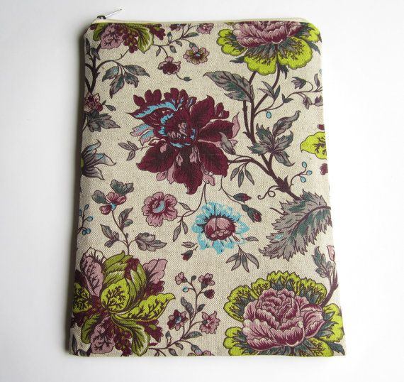 Floral sleeve with zipper for MacBook Air / Pro 13, MacBook Pro Retina 13 and MacBook Air 11. This case protects your Apple MacBook from dust, bumps,
