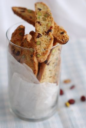 """Fekkas"" Aux Amandes ~ Moroccan Almond Orange-flower Biscuits"