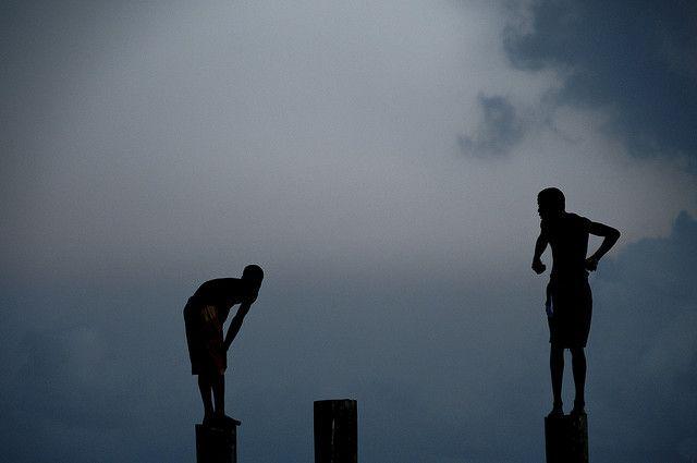 Bahamas / Harbour Island - Diving boys by Manu Foissotte