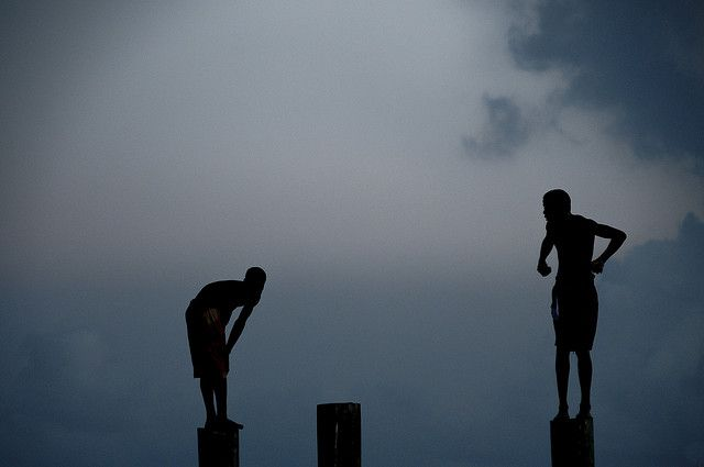 Bahamas / Harbour Island - Diving boys by Manu Foissotte