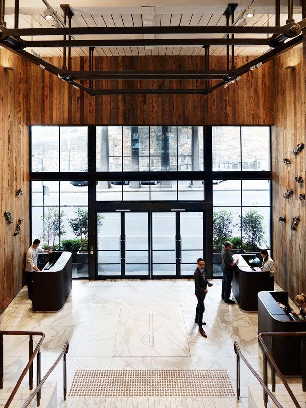 Timber design for the lobby at Pier One Hotel, Sydney / Bates Smart