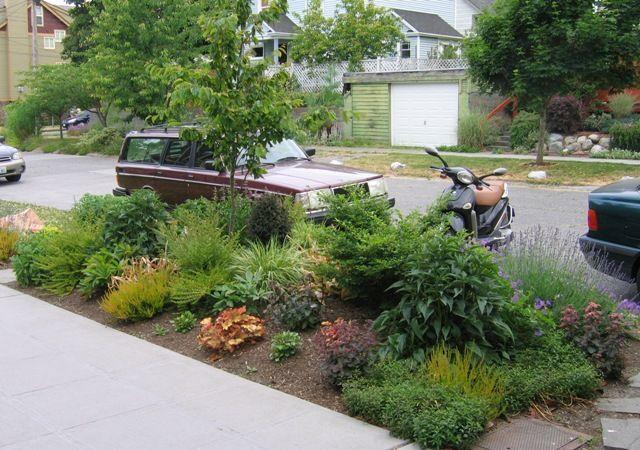 Small Seattle Garden With Big Impact Garden Yard Ideas Sidewalk Landscaping Landscape Design