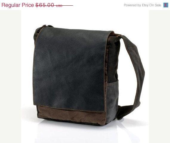 25% Off Black ipad messenger bag, messenger bags, shoulder bag for men, men's messenger bags, canvas bags, shoulder bags, CollegeMTag1