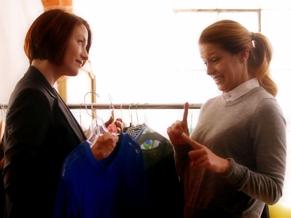 Relationships Between Females: Supergirl 1×01 Review http://blibli.com.pl/blog/2015/10/29/relationships-between-females-supergirl-1x01-review/ This is what we need for little #girls who get told that that they can't make their own choices and that other #females have to be their enemies. #Supergirl #review #reviews #women #feminism #feminist #radfem #superheroes #superheroines #tv #fandom #media