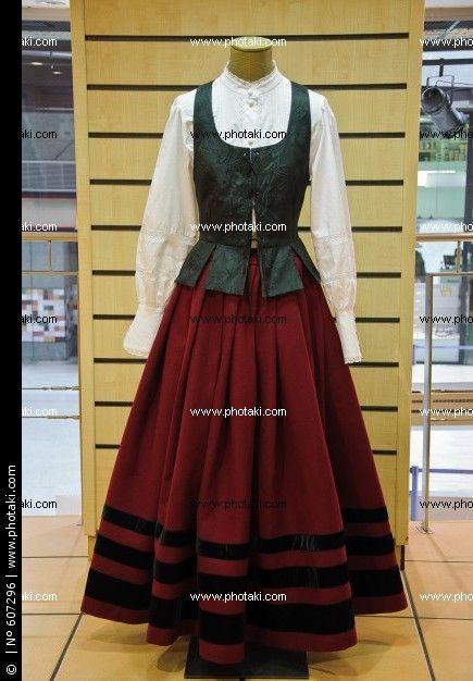 traje-regional-gallego-de-gala_607296.jpg (435×626)