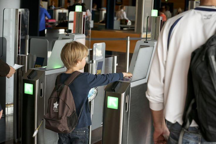 Our new e-gates. Making the way through Copenhagen Airport even more smooth - and it's so easy that even a child can do it :)