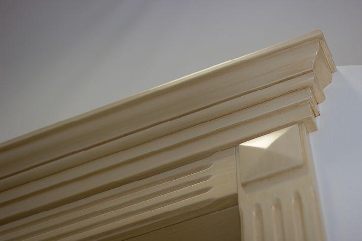 FBP porte | Collezione Lady - dettaglio capitello #porte #legno #interno #wooden #door #madeinitaly #baroccostyle