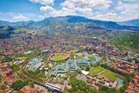 UNIDAD DEPORTIVA ATANASIO GIRARDOT MEDELLÍN COLOMBIA......(Vista de Oriente a Occidente de la ciudad) ........  http://www.chispaisas.info/metroestadio.htm
