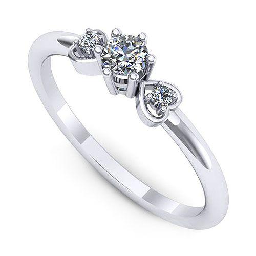 Inel logodna F68ADI * Piatra principala: 1 x diamant, dimensiune: ~3.20mm, greutate: 0.12ct , culoare: G, claritate: VS2 * Pietre secundare: 2 x diamant, dimensiune: ~1.50mm, greutate totala: ~0.03ct, forma: round