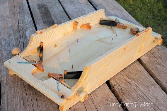 Pinball 2Player Game Handmade Wooden Classic by FunnyFarmToyBarn, $250.00 sa ovim je zabavnije nego virtuelno i zna se kada je dosta :D
