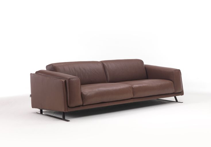 Cuddle up with the CLINO leather sofa this Winter! #brianform #sofa