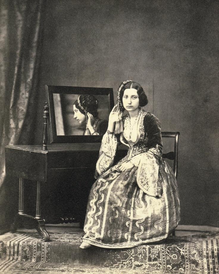 Φίλιππος Μαργαρίτης, Γυναίκα με φορεσιά Αμαλία, 1855. Filippos Margaritis, Woman in Amalia costume, 1855
