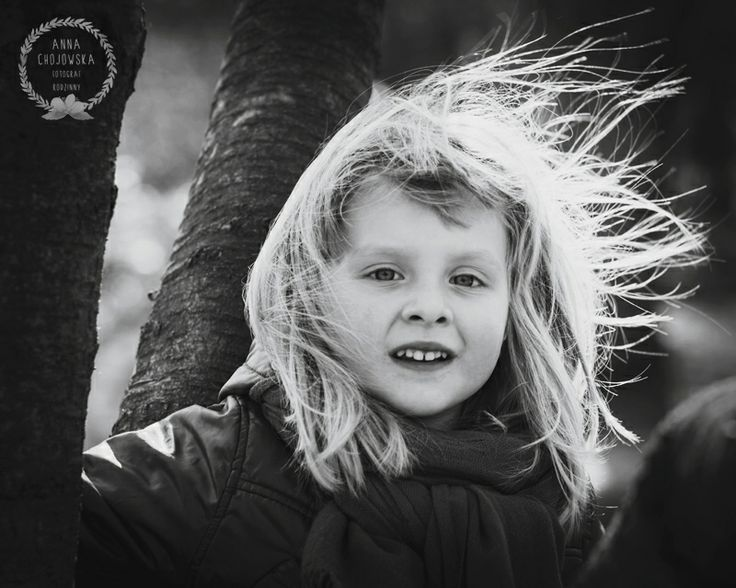Windy portrait. Anna Chojowska-Szymańska. Children & Family Photography. Krakow.