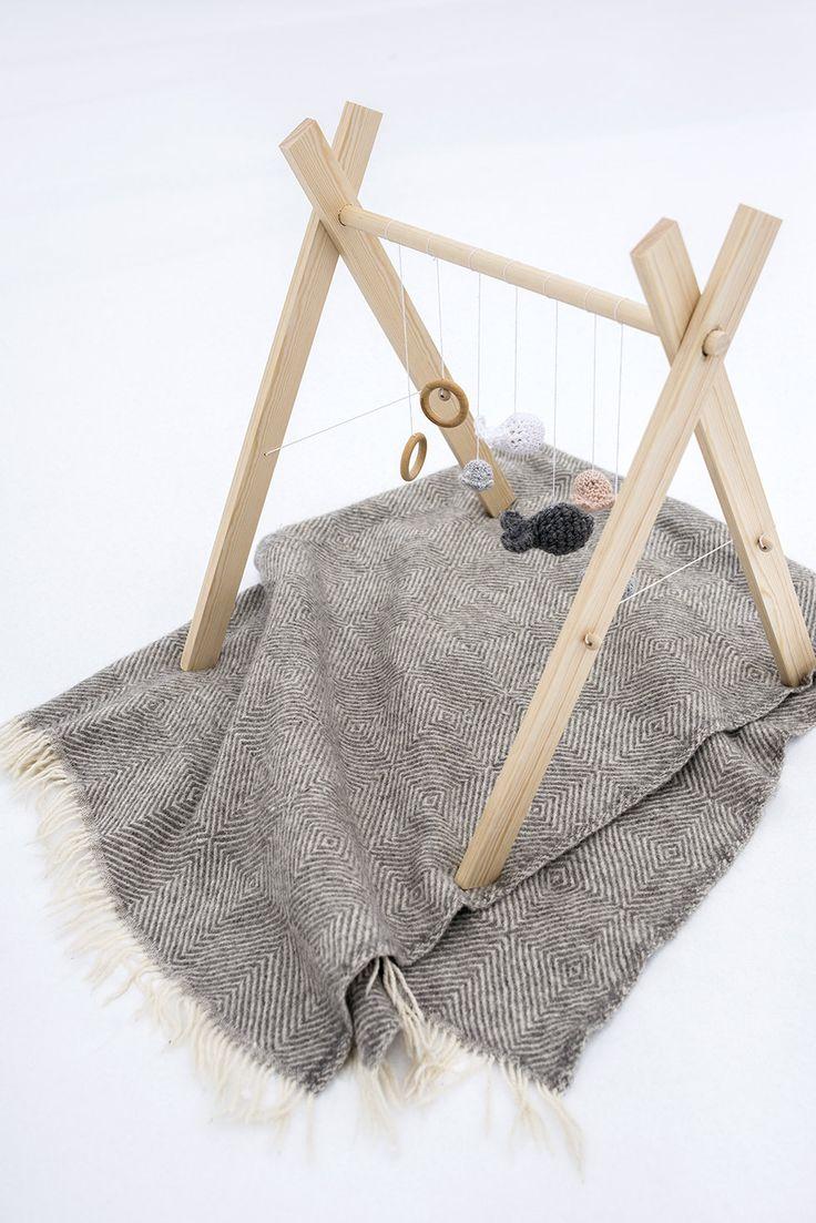 Babygym | wood and crochet #diy