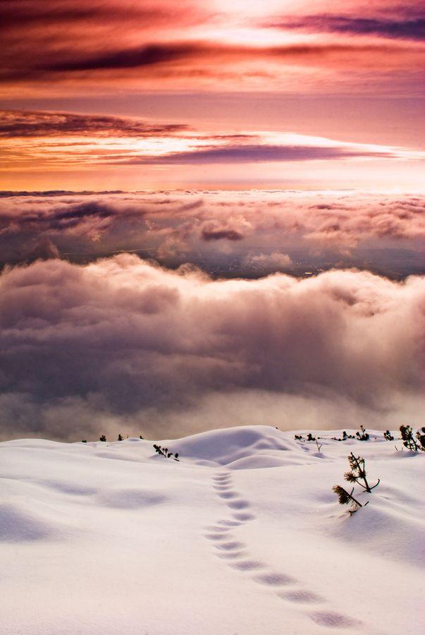 Tatras - Slovakia - by Adam Sewell. Breathtaking photo, snow, amazing sky, clouds, panorama.