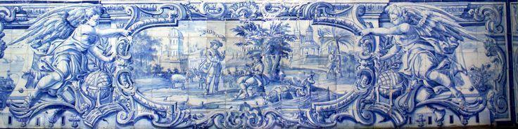 Évora, University of Évora [photo: Luzia Rocha] #globalframes #architecturalsimulation #sculpturalsimulation #blueandwhite #volumetric #figurative #theatricality #musicalinstruments #azulejo #frame #collaborativetimeline