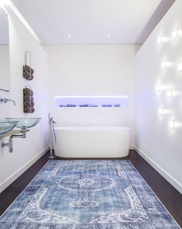 Ook de badkamer wordt een bijzondere ruimte met een vloerkleed van Brinker Carpets