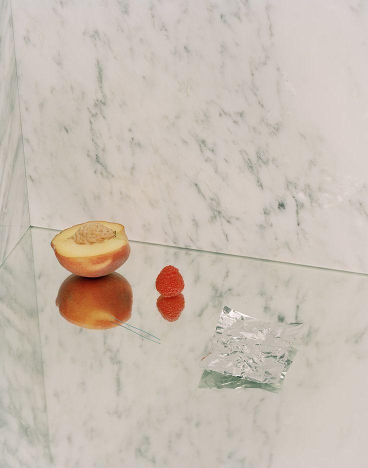 sounddoe:  new work/kayl parker/still life with peach
