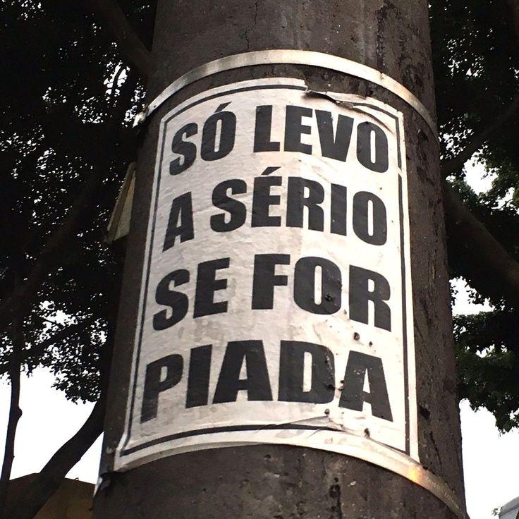 Marque nos comentários aquele teu amigo abestado que só sabe ri das coisas! #CatracaLivre #ViNoCatraca A foto é da : @pseudonanda