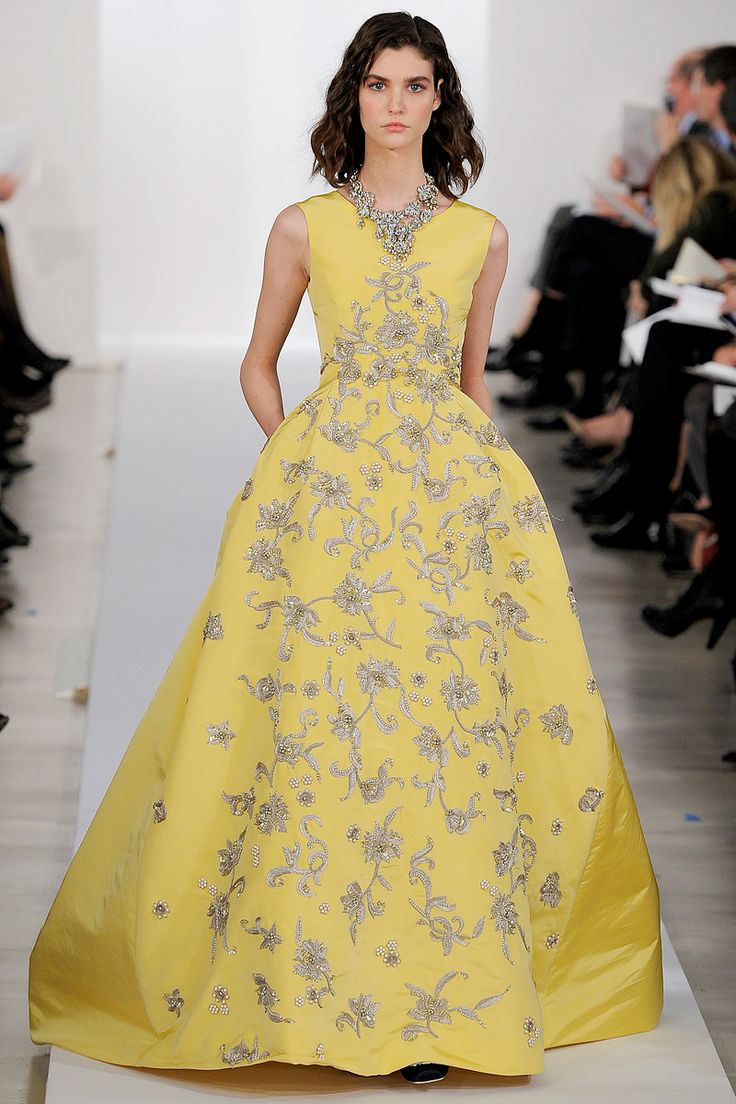 Oscar de la Renta Pre-Fall 2013 - Review - Fashion Week - Runway, Fashion Shows and Collections - Vogue - Vogue