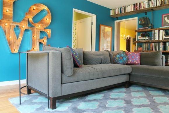 salon décoré en bleu et gris