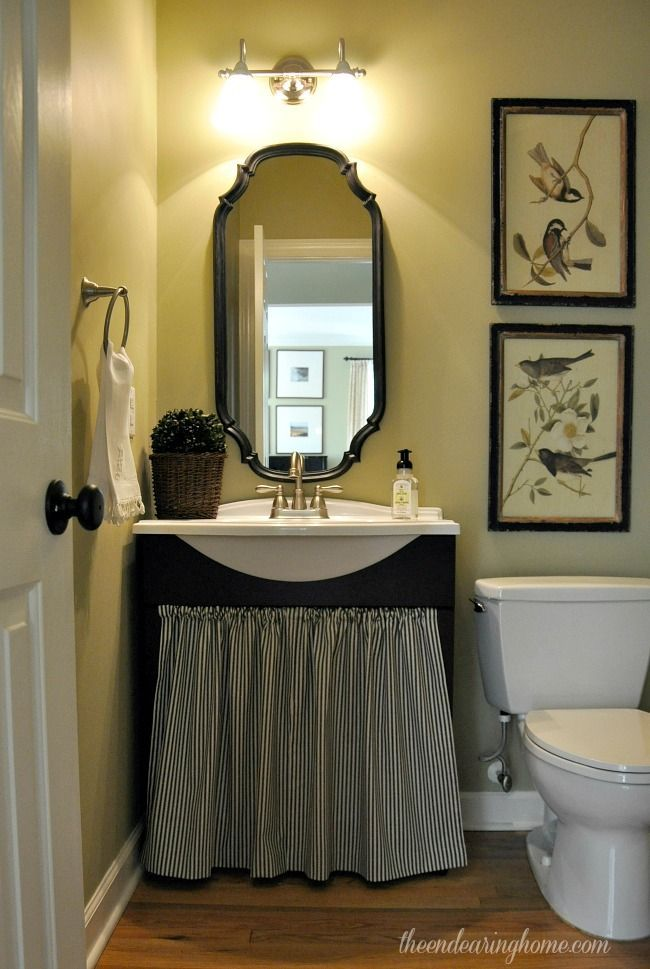 French Country Home Cute for a small bathroom I dont normally like black that much but here it