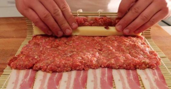 Darált húst és sajtot teker a szalonnába, majd megsüti! Imádni fogod! | EgybeMinden Blog