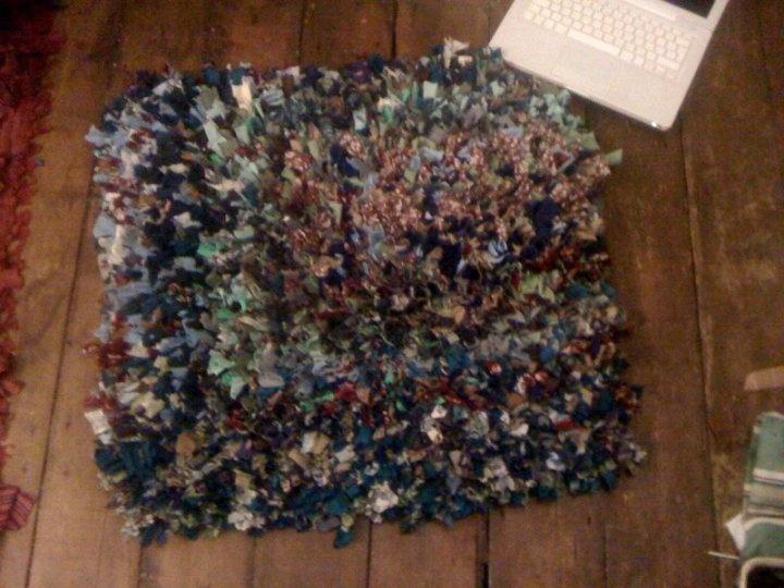 Rag rugs - latch hooked rag rugs