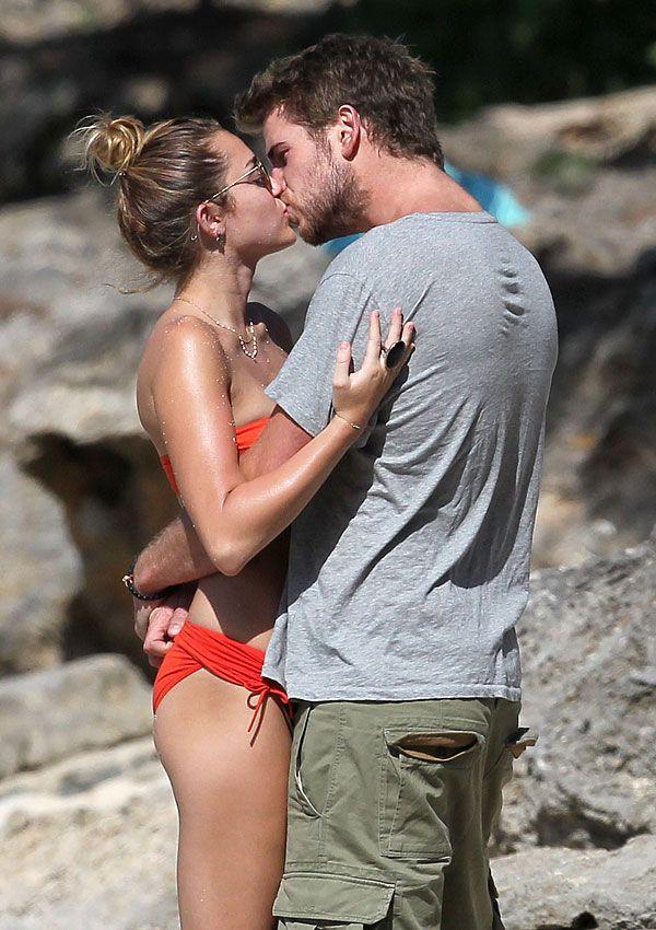 Miley Cyrus & Liam Hemsworth Engaged -- Vacationing in Hawaii
