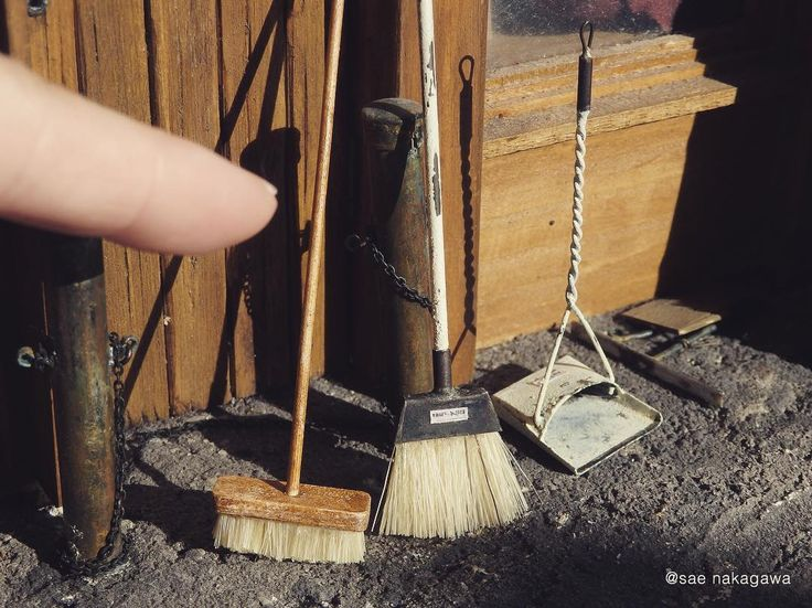 Miniature brooms and dust collector in 1/12 scale