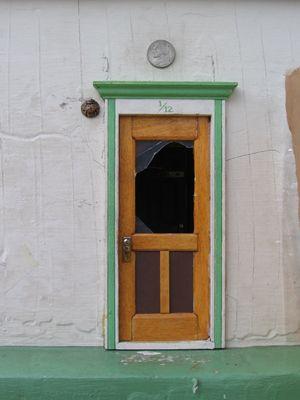 Best 64 fairy doors ideas on pinterest fairy doors for Fairy front door
