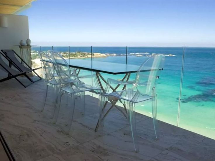 Clifton Spectacular Ocean View Apartment - Clifton Spectacular Ocean View Apartment is located in an affluent suburb named Clifton in Cape Town. This modern elegant apartment can accommodate up to four guests and features a fully equipped kitchen ... #weekendgetaways #clifton #capetowncentral #southafrica