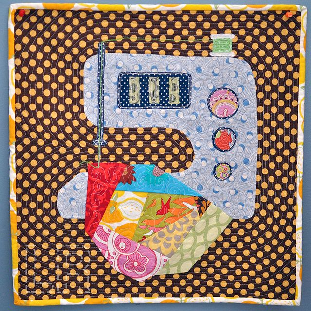 Ode to Pearl: Sewing Machines, Minis Challenge, Applied Quilts, Quilts Sewing, Mini Quilts, Adorable Minis, Pearls Minis, Machine Minis Quilts, Minis Small Dolls Quilts