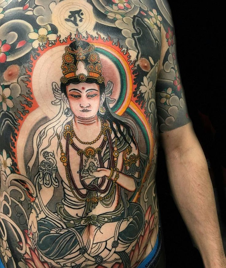 #Repost @sevendoorstattoo  More progress on Will's body suit by @claudiadesabe . . . #sevendooratattoo #tattoo #tattoos #bricklane #shoreditch #londontattoo #spitafieldsmarket #tattooartist #art #ink #inkformer