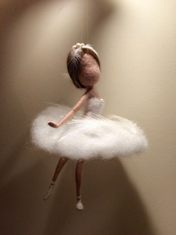 Needle felted fairy Waldorf inspired Wool White Swan di DreamsLab3